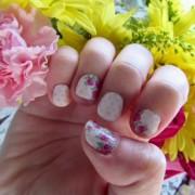 Floral Manicure